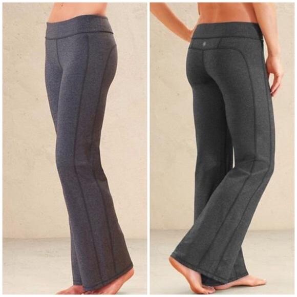 d5408c0496eb2 Athleta Pants - Athleta Kickbooty Bootcut Yoga Pants Gray M [A98]